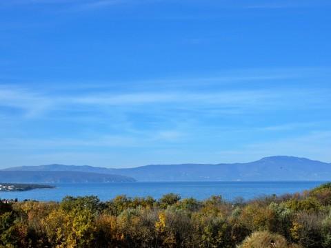 Malinska, prodaja, moderna vila od 173 m2 s bazenom i prekrasnim pogledom na more!