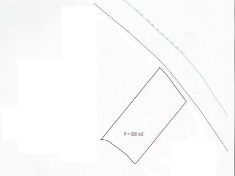 Uvala Soline, prodaje se građevinsko zemljište površine  520m2 pravilnog pravokutnog oblika uz asfaltni put i svu infrastrukturu!