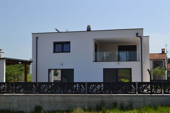 Prekrasna villa 3 km od mora