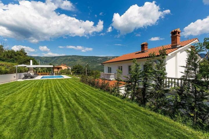 Villa za odmor u Istri s pogledom i mirom
