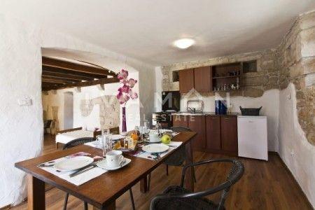 Luxuzno imanje sa dvije ville na terenu od 3030 m2