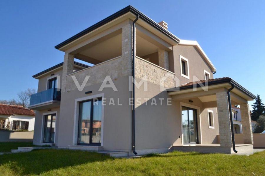 Prekrasna kuća na dobroj lokaciji Poreč, Istra
