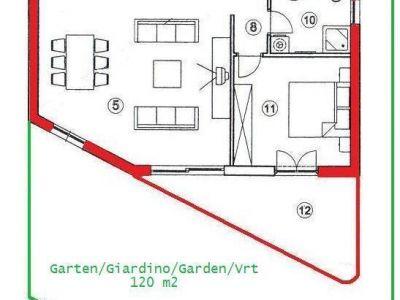 Poreč, stan u prizemlju sa vrtom, 900m od mora