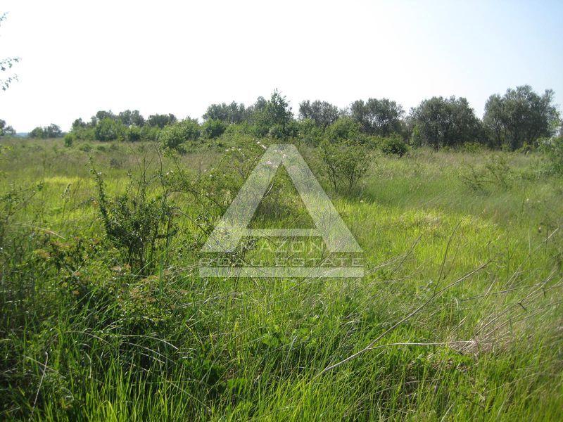 Građevinsko zemljište 3 km od graničnog prijelaza Kaštel