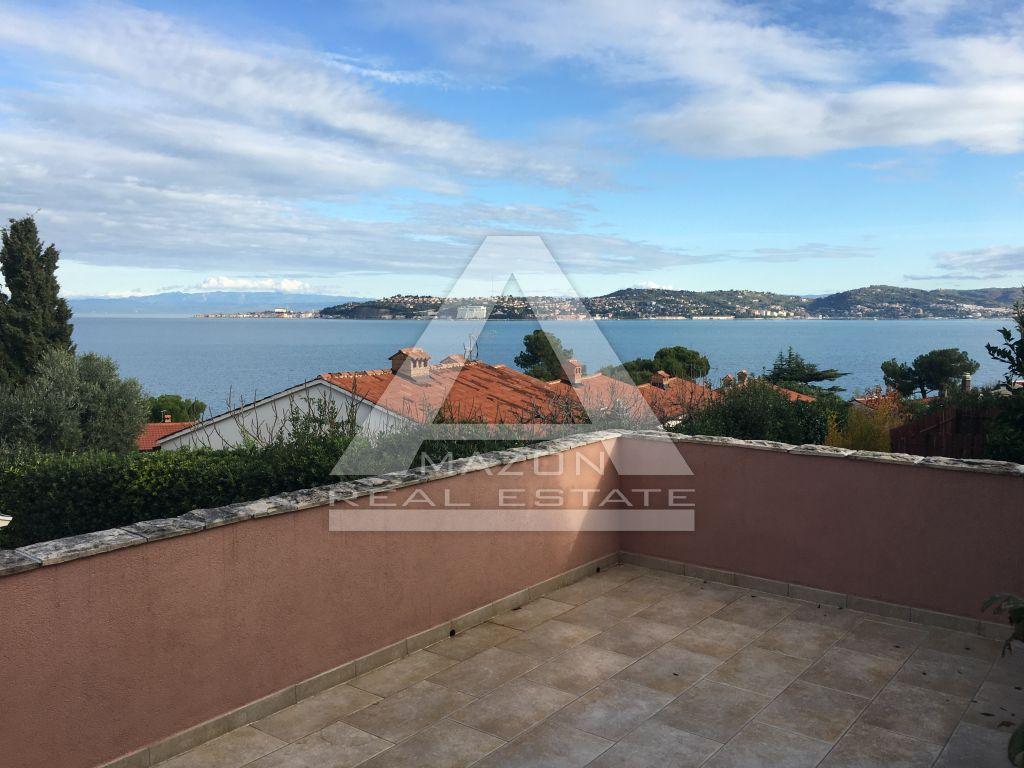Umag, Crveni Vrh-kuća sa otvorenim pogledom na more