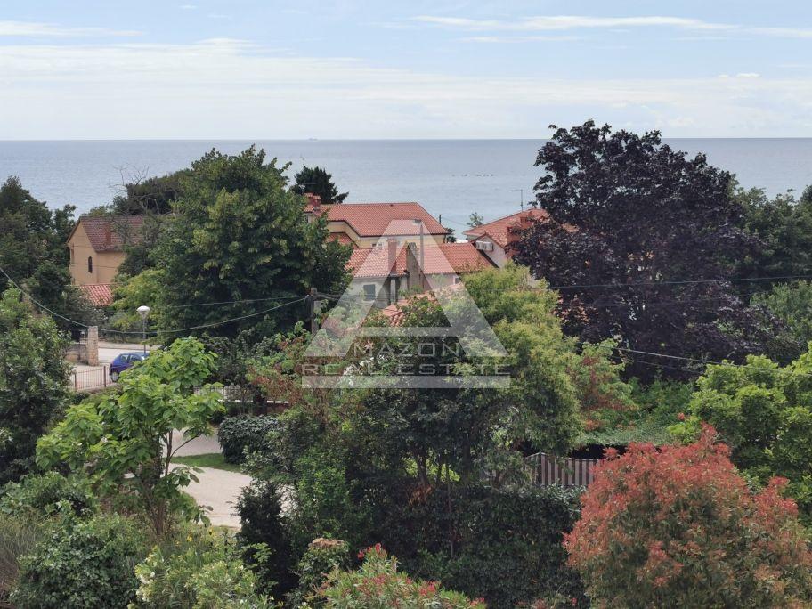 Umag, kuća sa 5 apartmana, pogled more, samo 300 m od mora!