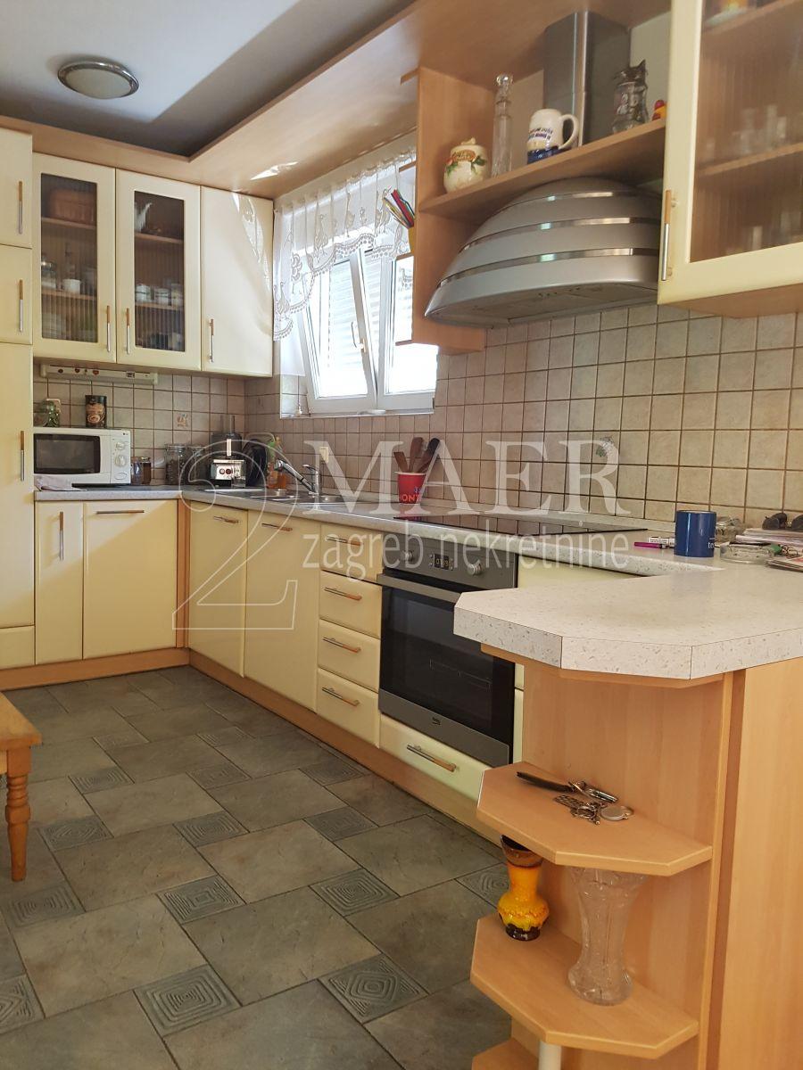 Haus Trešnjevka, Trešnjevka - Sjever, 350m2