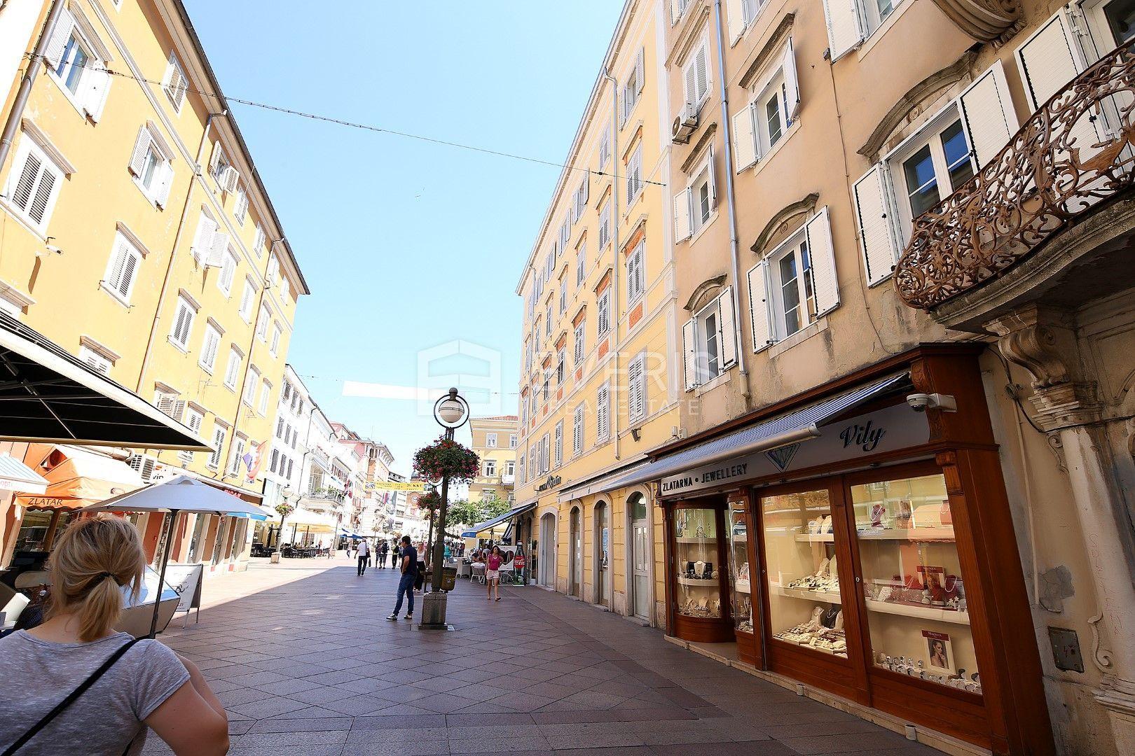 Rijeka, centar - Korzo, 2s+db, 80 m2