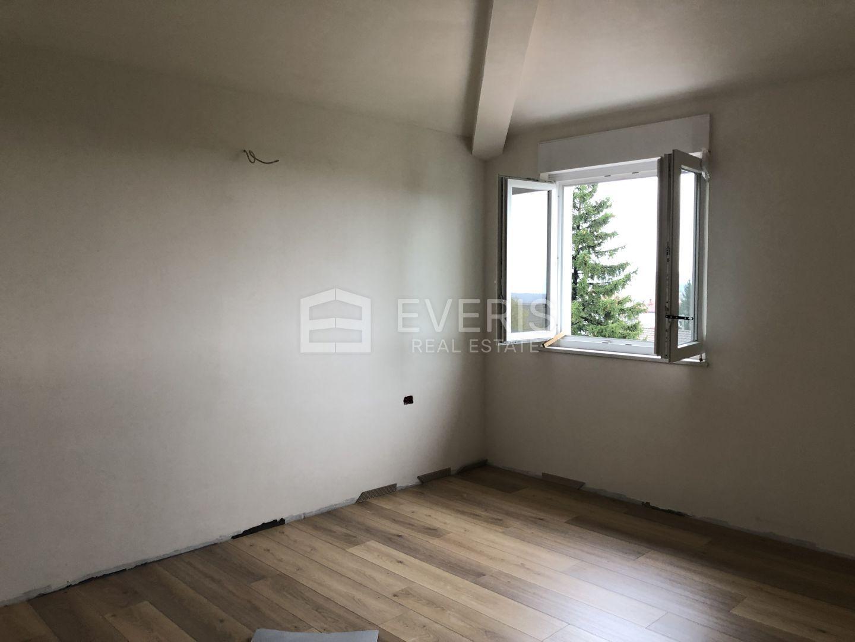 Viškovo, obiteljska kuća u nizu B od 81,70 m2 s cca 57 m2 okućnicom