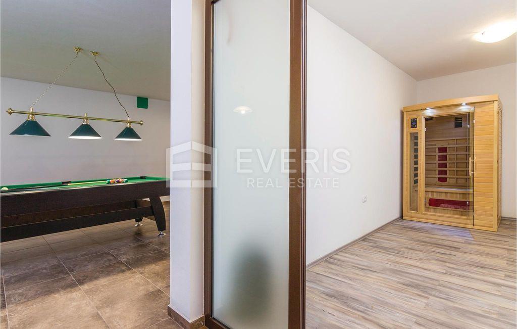 Vila, Istra, Svetvinčenat Bibići, 330 m2