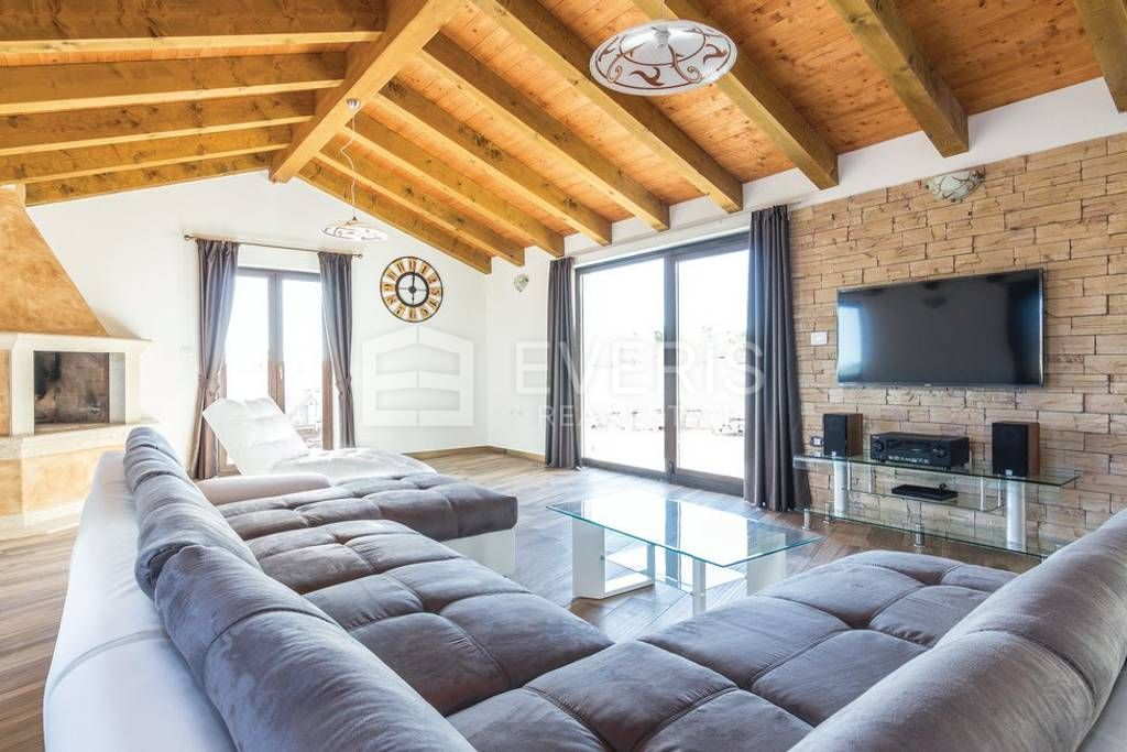 Vila, Istra, Svetvinčenat Bibići, 280 m2