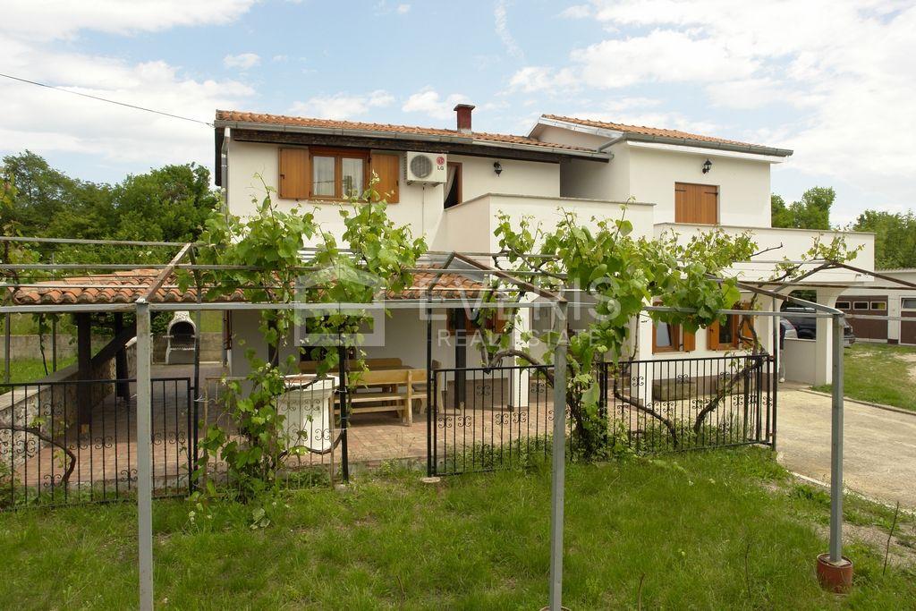 Kuća, otok Krk, Bajčići, 120 m2