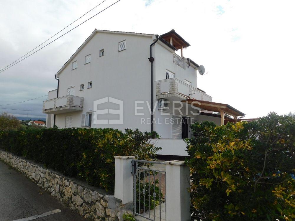 Kuća s bazenom, otok Rab, Barbat, 300 m2