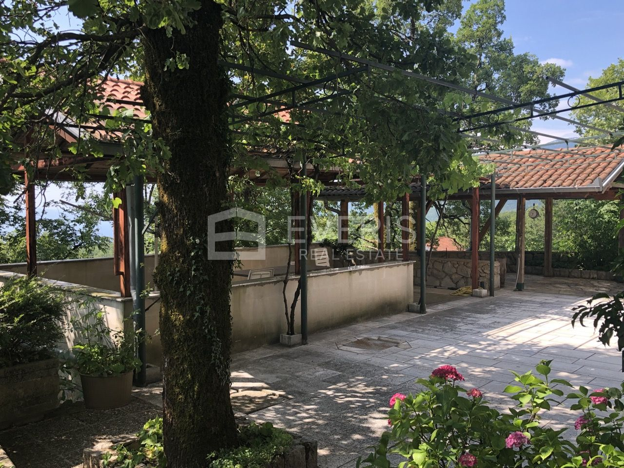Opatija, Veprinac, kuća 236 m2
