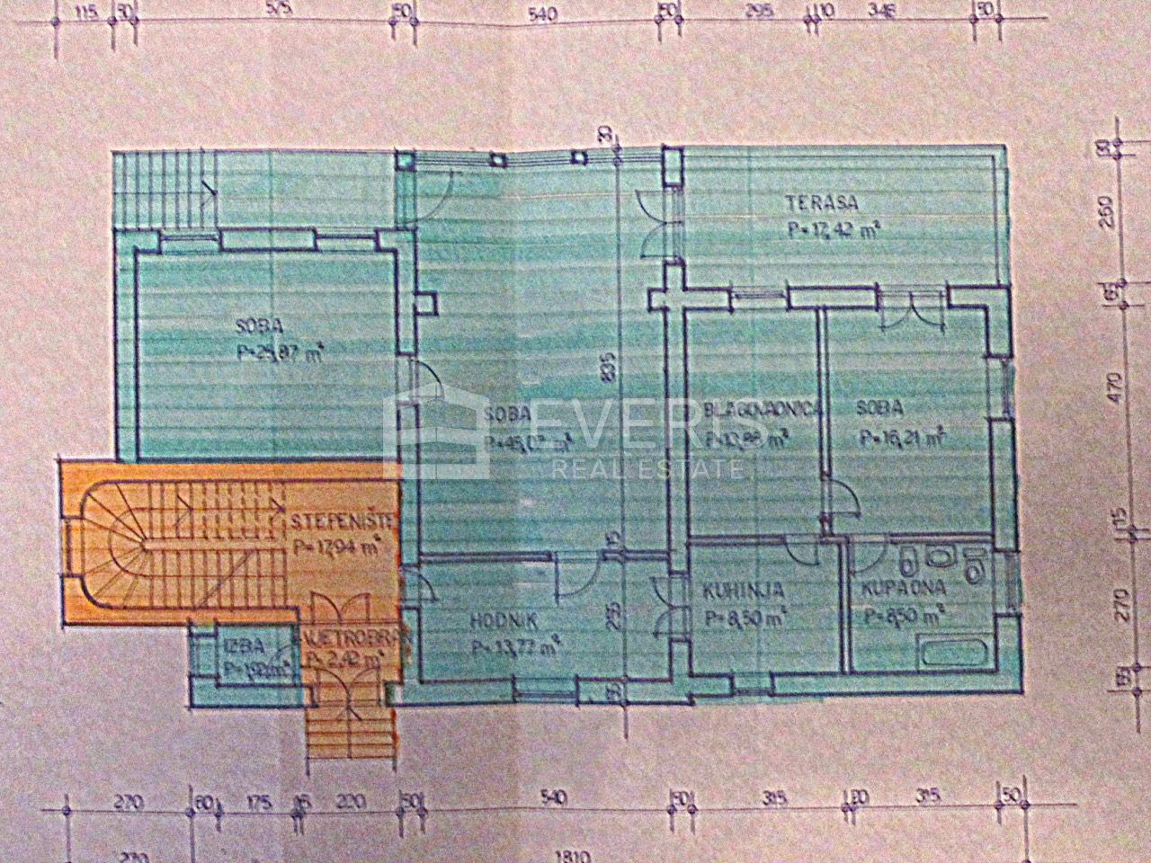 Opatija, stan 160 m2, garaža 21 m2, 90 m od mora