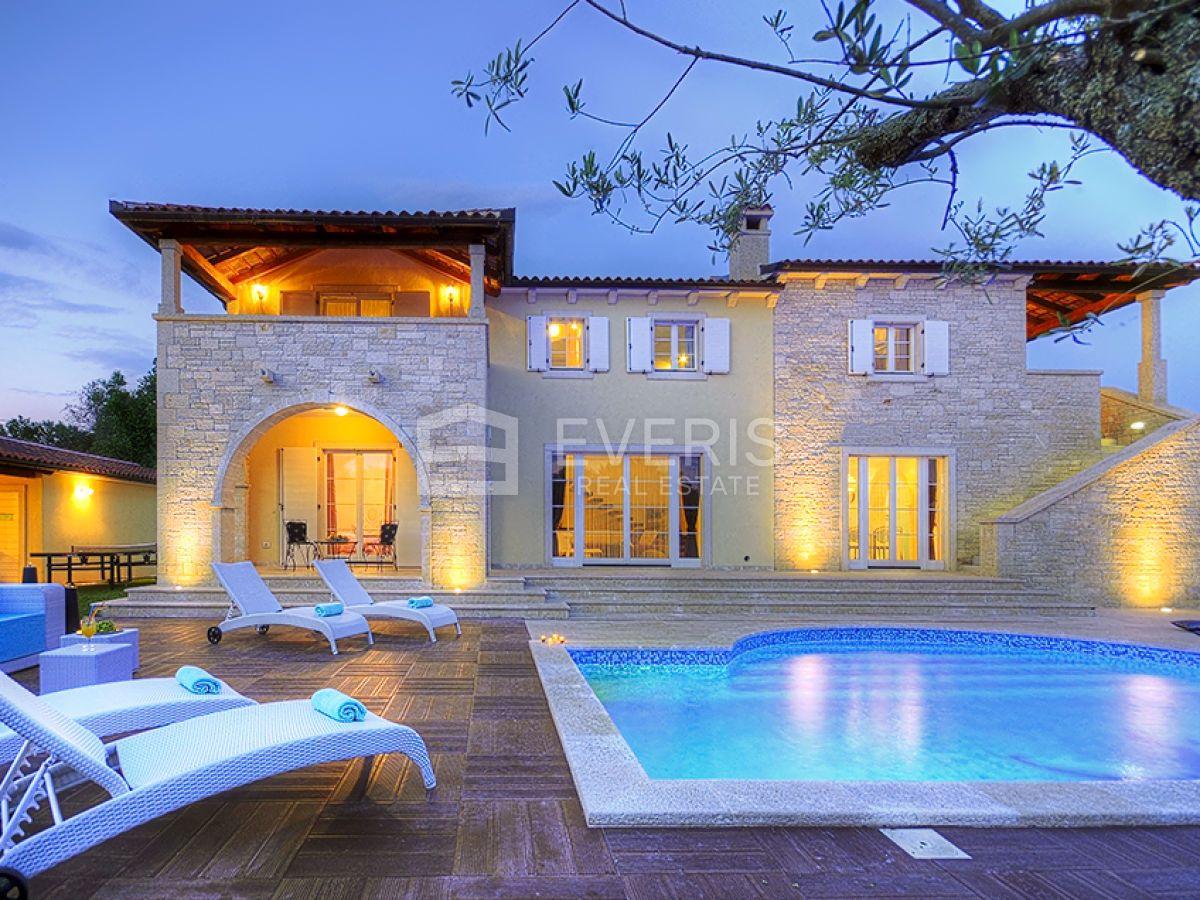 Istra, Svetvinčenat, vila s bazenom