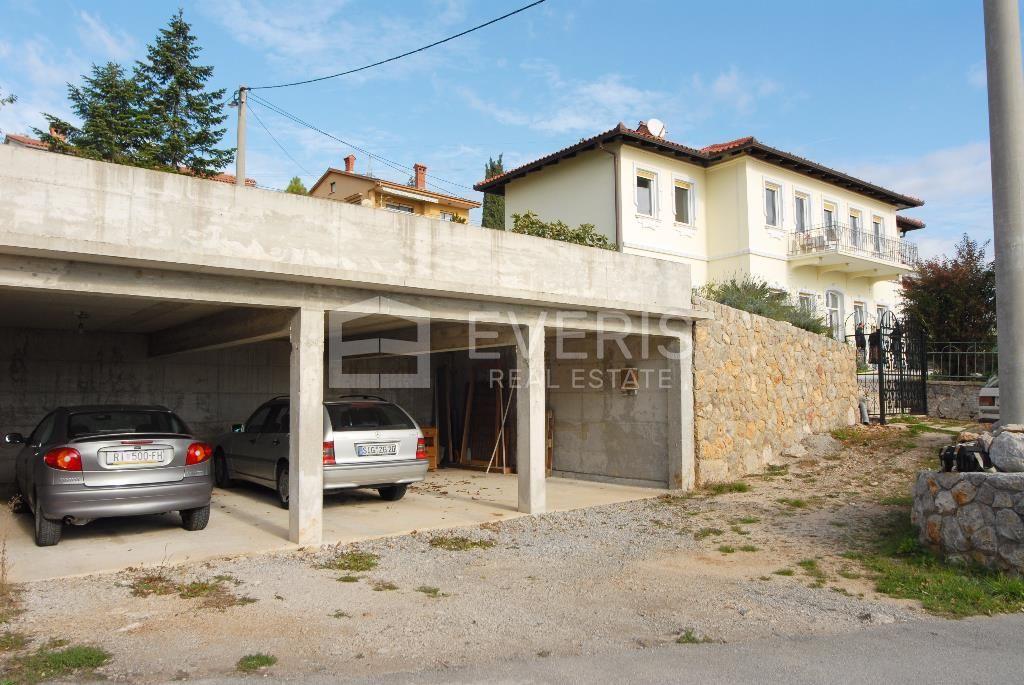 Matulji, centar, kuća 300 m2