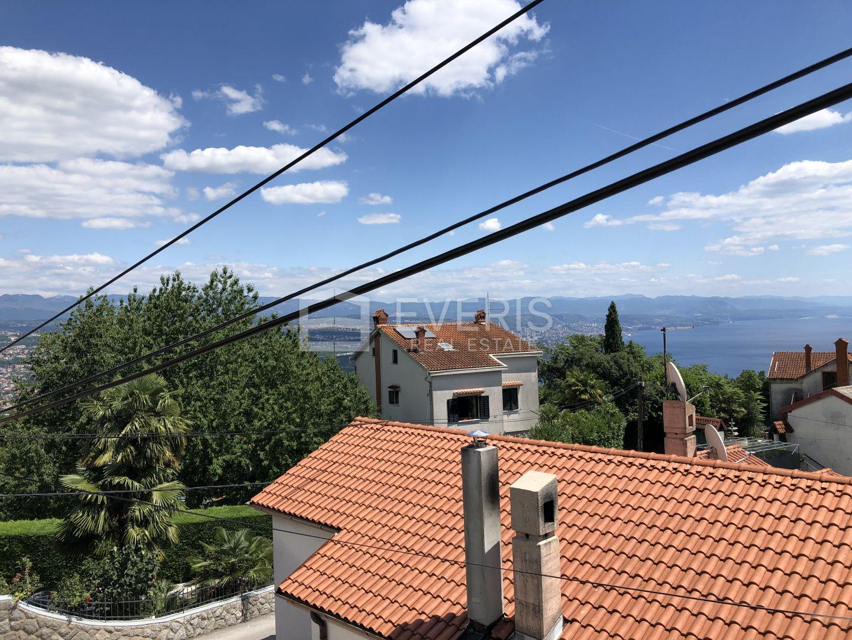 Opatija, Bregi, dvojna kuća s pogledom na more