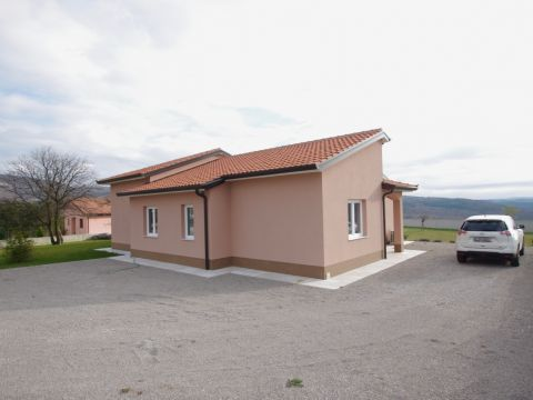 Istra, Roč, kuća s bazenom, 139 m2
