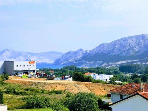 Otok Krk, Baška, Jurandvor, kuća s tri stana