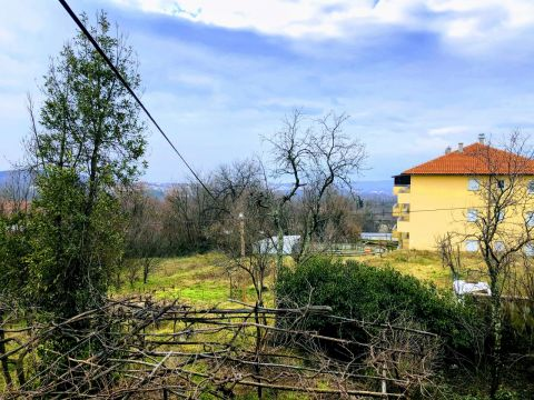 Viškovo, Saršoni, dvojna kuća s okućnicom od 1125 m2