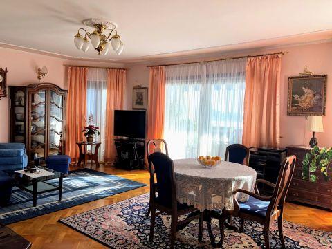 Ičići, stan 117 m2 s okućnicom od 250 m2