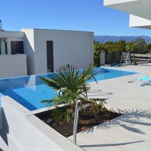 Kostrena-moderna vila s bazenom