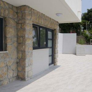 Stan u novogradnji sa ogromnom terasom-PRODANO