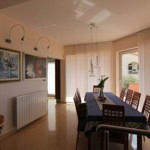 Moderna obiteljska kuća-PRODANO