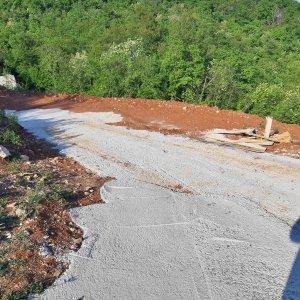 Poljane-građevinsko zemljište-1400 m2