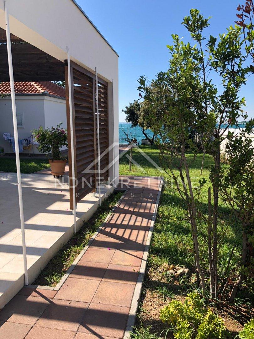 Vrsi - Zukve kuća uz more