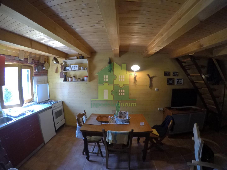 Obiteljska kuća + vikendica sa okućnicom u Vrelu Koreničkom