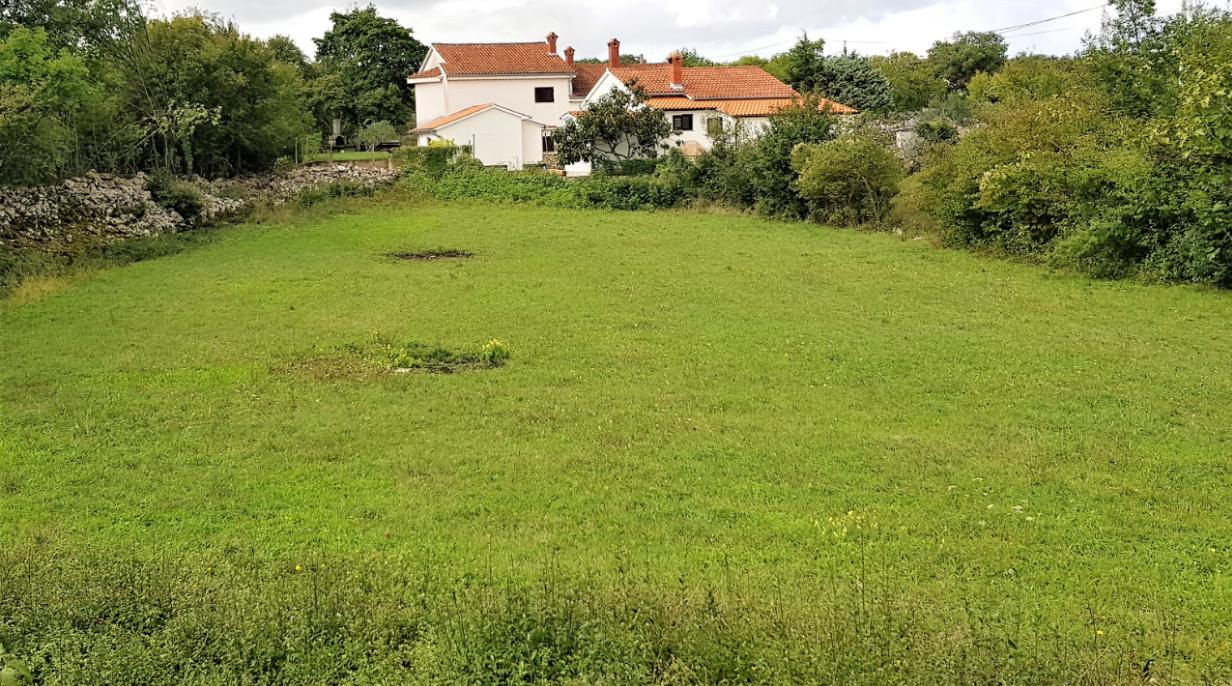 Bauland in der Stadt Krk.