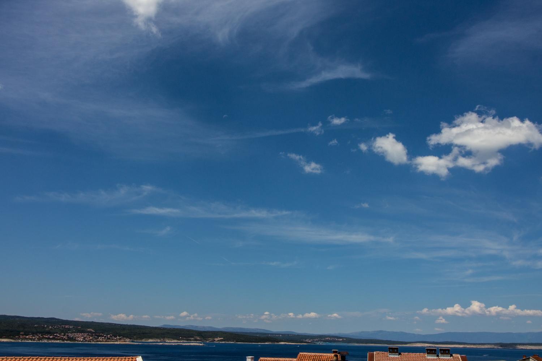 Novo s pogledom na more. Okućnica.