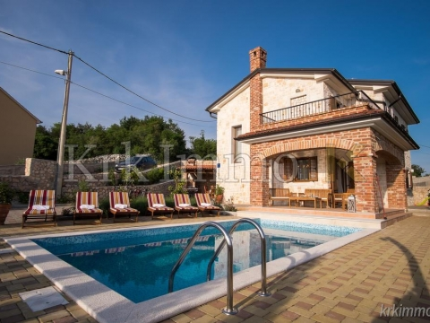 Möbliertes Haus mit Meerblick. Whirlpool und Schwimmbad.