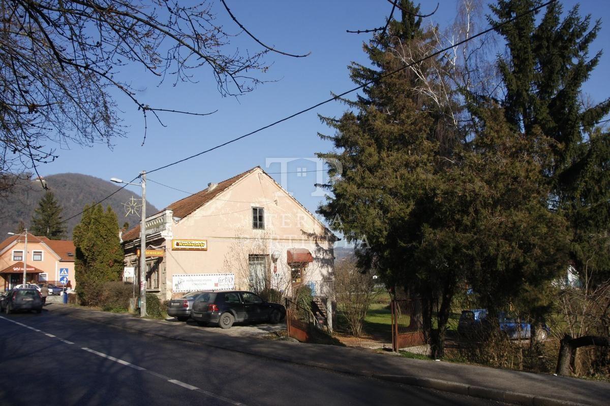 Poslovni prostor: Pregrada, ulični lokal, 300 m2 (prodaja)