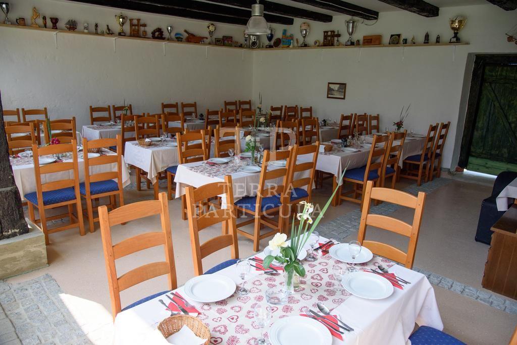 Začretje, hostel s restoranom