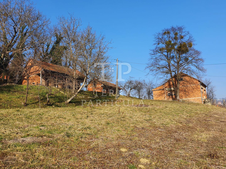 Zabok, Repovec, kuća s dvije gosp. zgrade