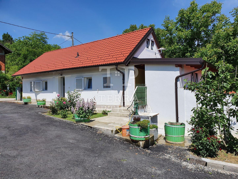 Veliko Trgovišće, obnovljena kuća cca 100 m2