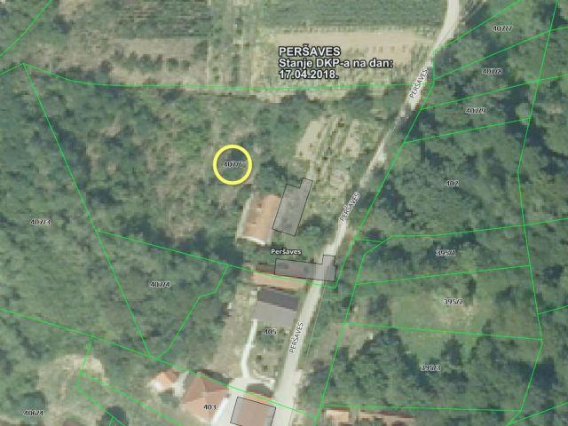 Mače, Peršaves katnica 130 m2, s gosp. zgradom na 3454 m2 okućnice