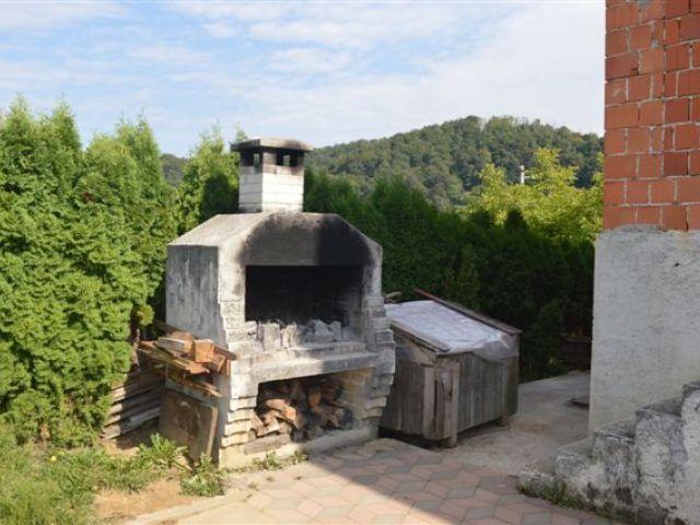 Hum na Sutli, kuća od 385 m2 s posl. prostorom - 130.000 eur