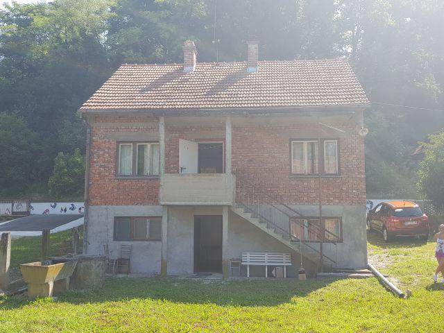 Zabok, kuća cca 100 m2, s gosp. zgradom