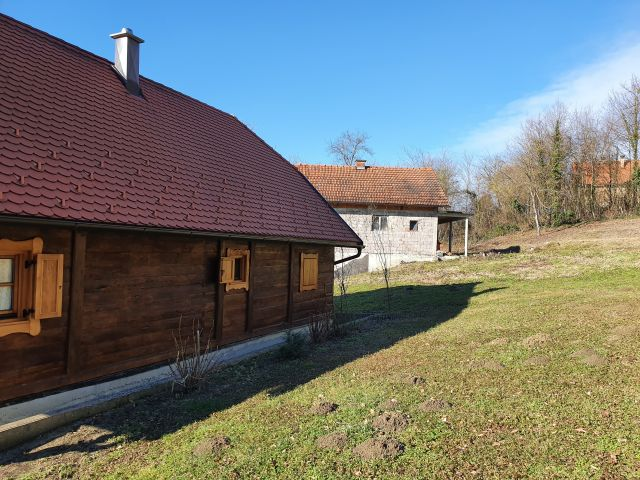 Veliko Trgovišće, Velika Erpenja, nova hrastova zagorska hiža na cca 3000 m2