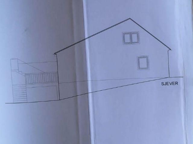 Pregrada kuća od 201 m2 s dva ulična lokala