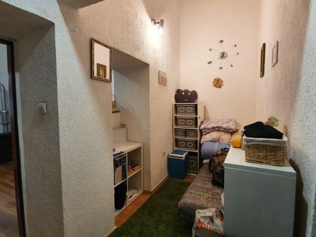Podmurvice, stan u prizemlju s vrtom