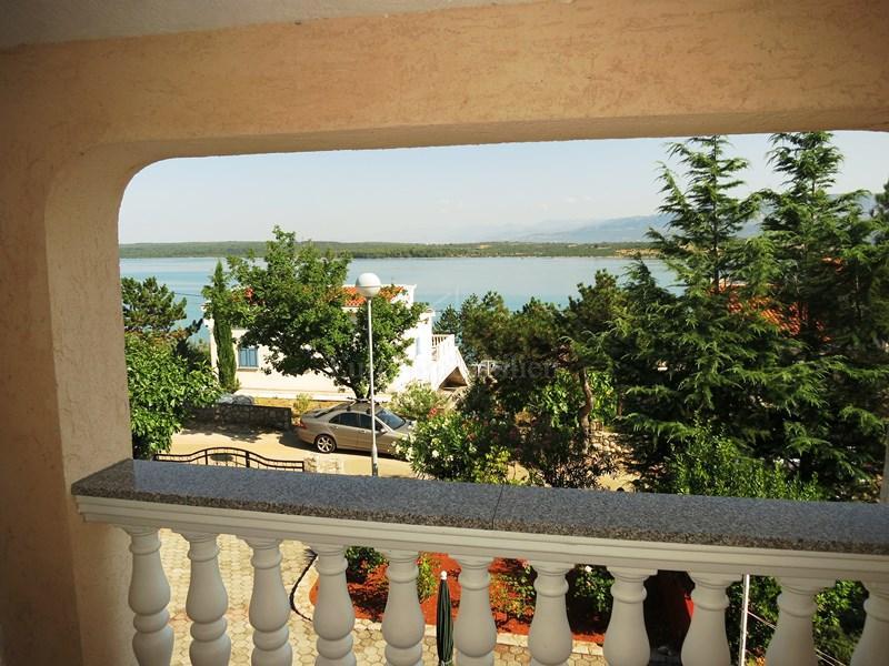 Prekrasan pogled na more s obje etaže