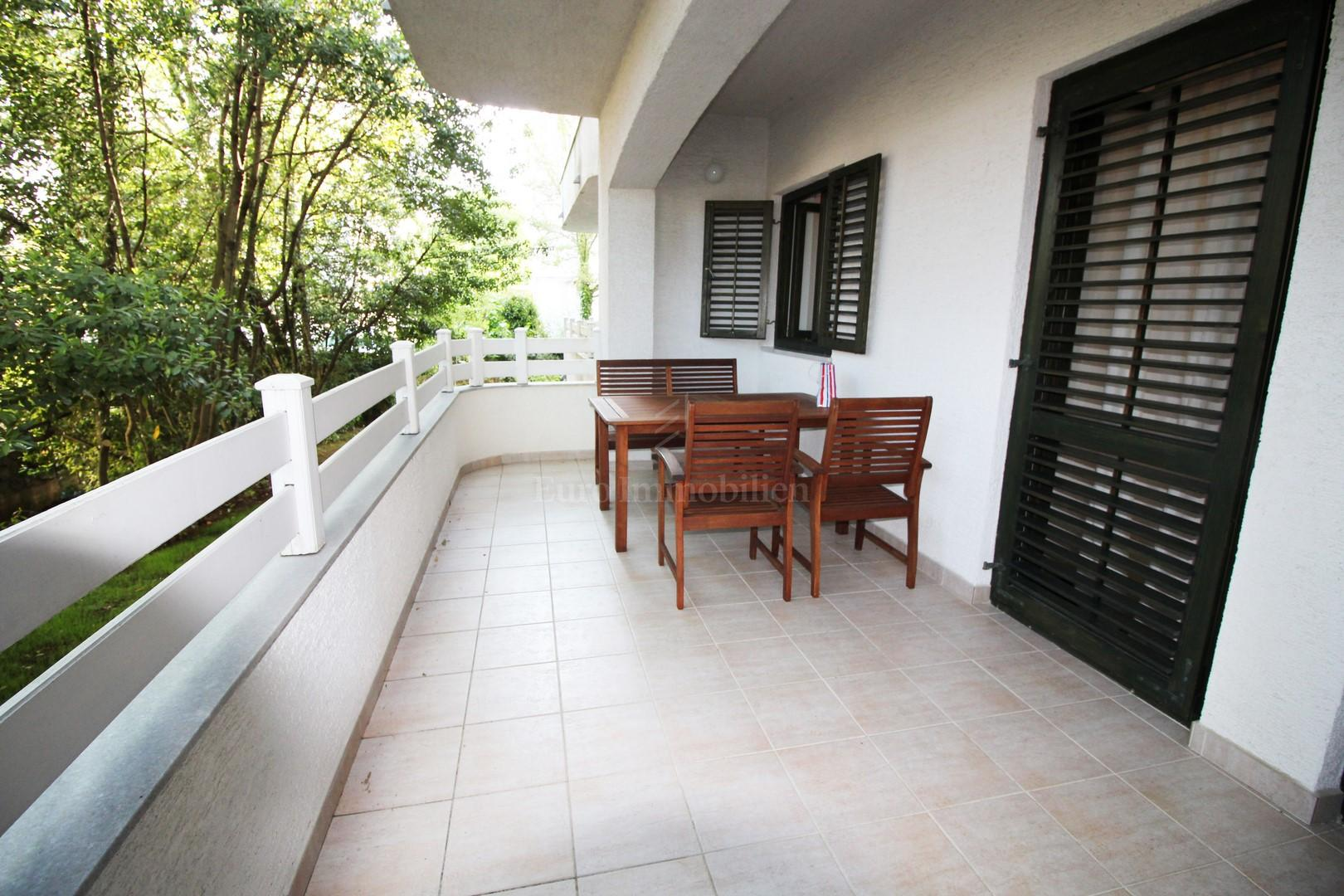Great apartment near the sea