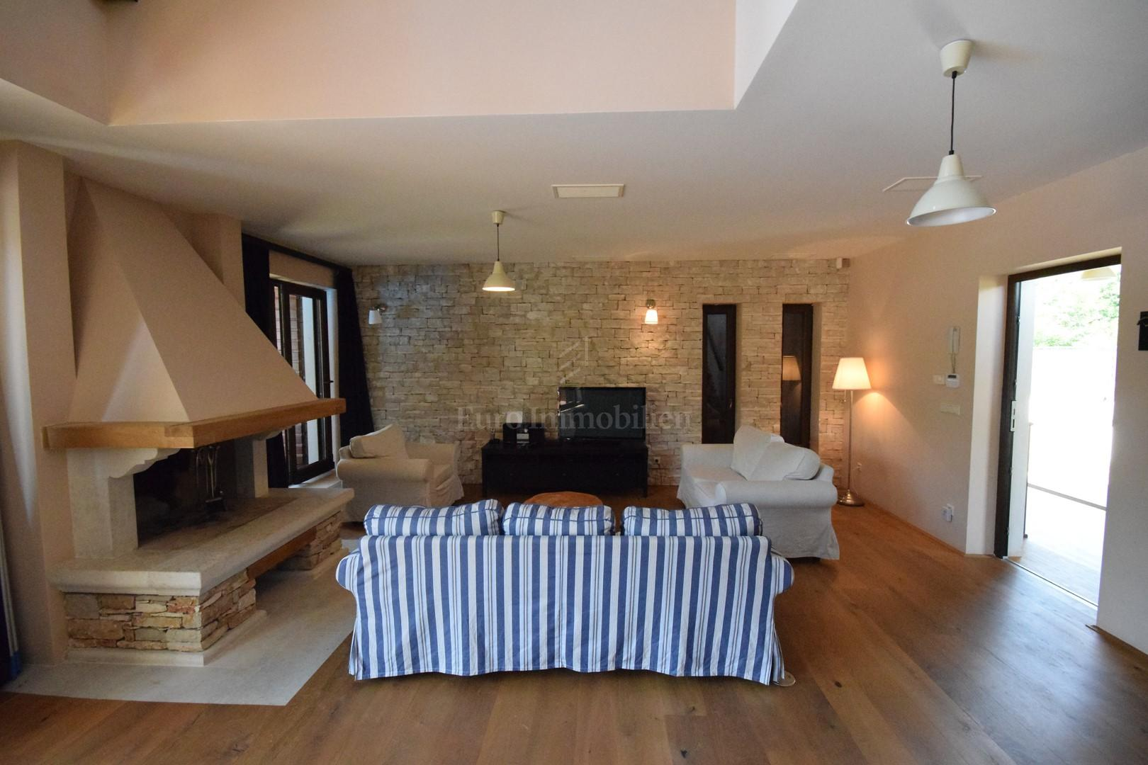 Perfect blend of Istrian tradition and modern desgin , Haus