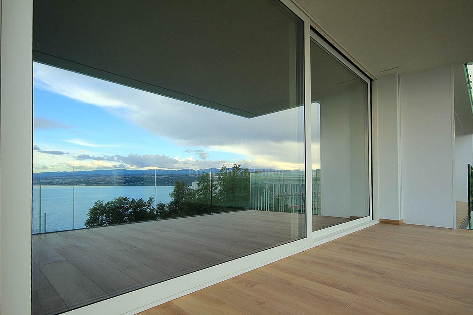 & Spacious apartment of modern design  Apartment