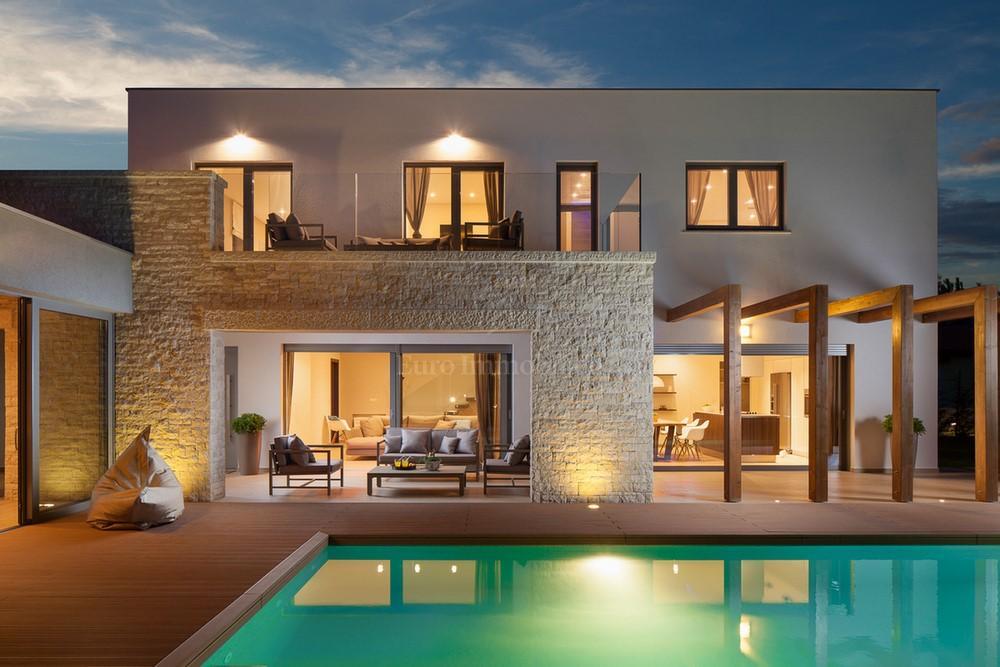 Moderne Villa mit Swimming Pool , Haus